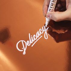Amazing lettering & calligraphy by Ricardo Gonzalez