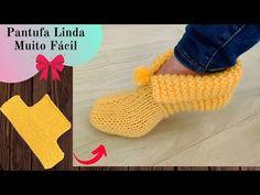 PANTUFA DE TEJIDO PASO A PASO - YouTube Crochet Slipper Pattern, Knit Shoes, Knitted Slippers, Crochet Art, Crochet Videos, Knitting Accessories, Knitting Socks, Knitting Patterns Free, Crochet Beach Dress