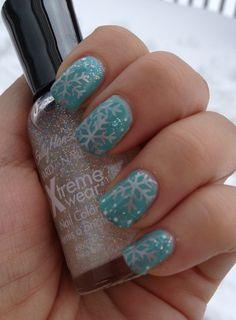 Snowflake Nails nails