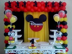 Mesa y fondo Mickey Mouse Party Decorations, Theme Mickey, Mickey 1st Birthdays, Fiesta Mickey Mouse, Mickey Mouse Clubhouse Birthday Party, Mickey Mouse Parties, Mickey Birthday, Birthday Parties, Mickey Mouse Backdrop