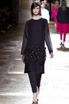 Dries Van Noten Fall 2013 Ready-to-Wear Collection - Vogue Fashion Week, High Fashion, Fashion Show, Womens Fashion, Fashion Design, Vanity Fair, Evening Attire, Glamour, Sheer Dress