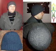 Донышко шапки круглое без сборок спицами по кругу, т. е. без шва