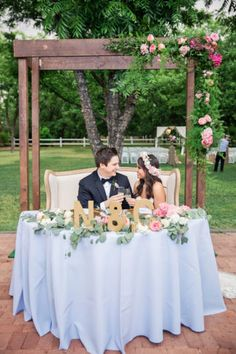 Sweetheart table for