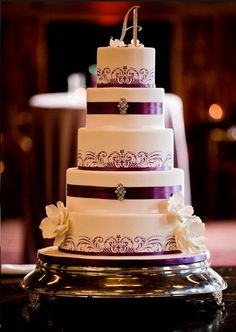 WEDDING Cake for magical # Purple Wedding ... Wedding ideas for brides, grooms, parents & planners ... https://itunes.apple.com/us/app/the-gold-wedding-planner/id498112599?ls=1=8 … plus how to organise an entire wedding ♥ The Gold Wedding Planner iPhone App ♥