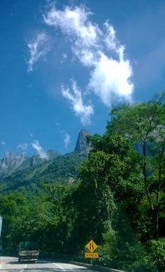 Rio-Teresópolis, subida. Reserva  do Parque Nacional de Guapimirim, parte da Mata Atlântica. Foto de janeiro de 2014.