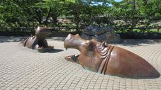 Hippo Square at Taipei Zoo was recently named to the list of the world's 25 most creative statues and sculptures by Boredpanda, a U.-based visual art and design website. Comprising a pod of semisub. Famous Sculptures, Animal Sculptures, Outdoor Stone, Outdoor Art, Outdoor Sculpture, Sculpture Art, Singular, Majestic Animals, Garden Statues