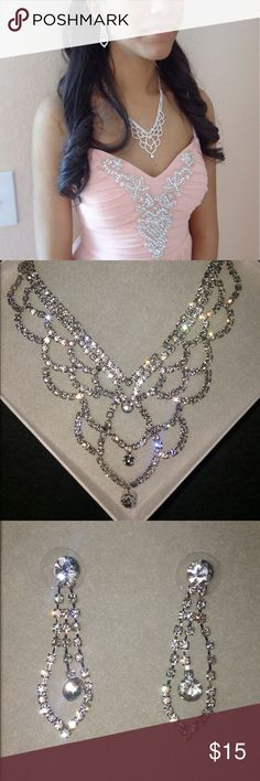 Rhinestone Jewelry Set Beautiful Necklace and Earrings. Perfect for Prom, Wedding, or any portal event! Only worn once David's Bridal Jewelry