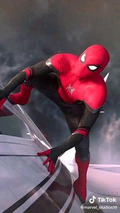 Image Spiderman, All Spiderman, Spiderman Pictures, Parker Spiderman, Amazing Spiderman, Spiderman Suits, Marvel Comics Superheroes, Marvel Avengers Movies, Marvel Heroes