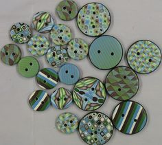 lovely polymer clay buttons by Lisa Clarke http://www.lisaclarke.net/2008/01/21/still-claying-at-the-thon/