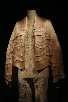 "Givenchi Haute Couture por Riccardo Tisci, de la colección Fall-Winter 2010, inspirado en el cuadro de Frida ""La columna rota"""