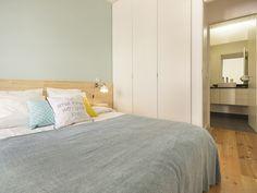 Apartamento da Glória #final #photography #apartament #hostel #homesweethome #elevadordaglória #upcycled #decor #interiors #interiordesign #details #remodelação #sala #quarto #livingroom #bedroom #furniture #design #arquitetura #interiores #interiordecor #homestoriespt #umaobraumahistória