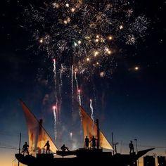 Pronto per fotografare i fuochi d'artificio durante la notte di Capodanno? Ecco cosa fare: utilizza un treppiede imposta un valore ISO basso una velocità dell'otturatore di circa 1/10 di secondo e unapertura f/8. E tu quali consigli vuoi dare? Raccontacelo qui sotto! #liveforthestory via Canon on Instagram - #photographer #photography #photo #instapic #instagram #photofreak #photolover #nikon #canon #leica #hasselblad #polaroid #shutterbug #camera #dslr #visualarts #inspiration #artistic…