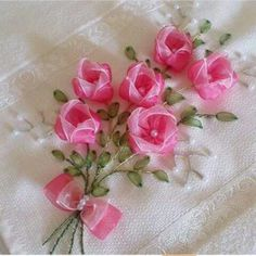 So pretty Towel Embroidery, Embroidery Works, Silk Ribbon Embroidery, Embroidery Stitches, Embroidery Designs, Ribbon Bouquet, Satin Ribbon Flowers, Ribbon Art, Fabric Flowers