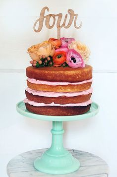 Flower Topped Naked cake for a birthday Cookies Et Biscuits, Cake Cookies, Cupcake Cakes, Naked Wedding Cake, Wedding Cakes, Pretty Cakes, Beautiful Cakes, Cake Pops, Nake Cake