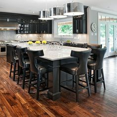 Love This Island And Seating Marchvale Kitchen Traditional Ottawa Laurysen Kitchens Ltd