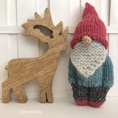 🍄 My second gnitty gnome 🍄 (And a new prop! Knitted Doll Patterns, Knitted Dolls, Knitting Patterns, Worry Dolls, Homemade Dolls, Yarn Dolls, Christmas Knitting, Stuffed Toys Patterns, Yarn Crafts
