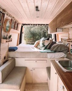 Unique van life sprinter - have a look at our articles for additional inspirations! Bus Living, Tiny Living, Living Room, Kitchen On A Budget, Diy On A Budget, Kitchen Ideas, Kombi Home, Van Home, Camper Van Conversion Diy