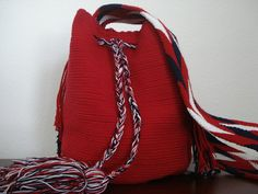 Mochila Wayuu Medium Bags, Hand Bags, Drawstring Backpack, Backpacks, Trending Outfits, Unique Jewelry, Pattern, Clothes, Shoes