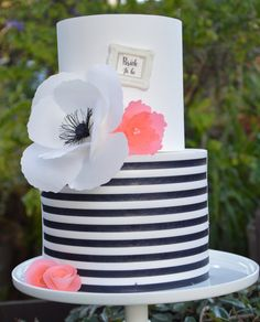 Kate Spade inspired cake decor,  cake,  kate spade, fondant frame, inspired, black and white, Wafer paper sheets, cookie topper