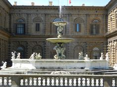 Palazzo Pitti Inferno Dan Brown, Palaces, Towers, Museums, Castles, Grande, Fountain, Architecture, Outdoor Decor