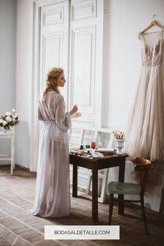 Ha llegado el momento de ponerse las pilas y atenerte a lo que buscas en tu vestido de novia. Ten en cuenta estos tips que te traemos en el artículo de hoy... Y guarda el pin para cuando necesites volver. #vestidodenovia #vestidosdeboda Dresses With Sleeves, Ten, Fashion, Sleek Wedding Dress, Wedding Dressses, Weddings, Boyfriends, Slip On, Moda