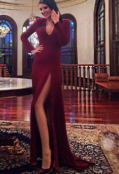 The Dress, Fancy Dress, Hatice Sendil, Turkish Actors, S Girls, Bellisima, Photoshop, Actresses, Formal Dresses