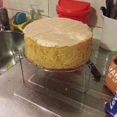 Bizcochuelo básico sin TACC Receta de Moni Avanzini - Cookpad Desserts, Food, No Flour Recipes, Breads, Pound Cake, Gluten Free Baking, Vegan, Tailgate Desserts, Deserts