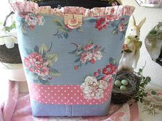 Fun summery tote bag by sweetcottagedreams, via Flickr