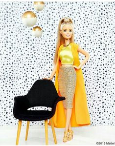Spotted in shades of gold. How do you layer your look with the Midas touch? Barbie Style, Barbie Model, Barbie Doll House, Barbie Life, Barbie World, Diy Barbie Clothes, Doll Clothes, Barbie Tumblr, Barbie Fashionista Dolls