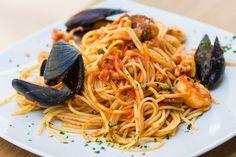 Spaghetti allo scoglio / Spaghetti with seafoods
