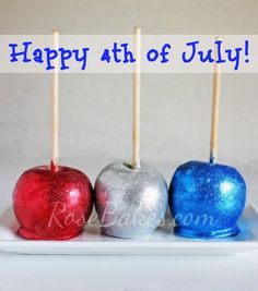 How to Make Candy Apples Any Color! Click over to Rose Bakes for the recipe and TONS of tips to make beautiful, perfect candy apples every time (without a mix! I can also tell you how to make them bubble-free! Caramel Candy, Caramel Apples, Happy 4 Of July, Fourth Of July, Colored Candy Apples, How To Make Purple, 4th Of July Desserts, Apple Roses, Candy Making