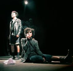 A peça fica em cartaz no Teatro Ruth Escobar em curtíssima temporada nos dias 15, 16 e 17 de dezembro em apresentações duplas as 19h e as 21h. A entrada é Catraca Livre.