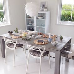 One of the photos you guys liked the most in my gallery ~ Summer tablesetting 🌿 Thank you for asking, dear ☺️ If only I could go… Kitchen Dining, Dining Room, Dining Table Chairs, Interior Design, Interior Ideas, Table Settings, House, Furniture, Outdoor Ideas