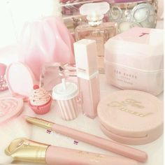 School of Beauty in London - l'Ecole de Beauté London beauty school Baby Pink Aesthetic, Princess Aesthetic, Pink Love, Pretty In Pink, Pretty Pink Princess, Pastel Makeup, Pink Makeup, Everything Pink, Hijab Tutorial