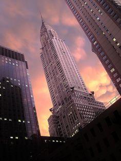 🇺🇸 Chrysler Building (New York City) by Mitch Waxman 🏙 Photographie New York, New York Photography, Photography Tips, City Vibe, City Wallpaper, City Aesthetic, Chrysler Building, Dream City, Concrete Jungle