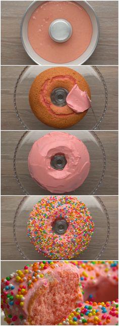 BOLO DANONINHO: Você não imagina como esse bolo é DELICIOSO! Experimente e comprove!!! (veja a receita passo a passo) #bolo #danoninho #bolodanoninho