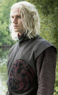Game of Thrones season 8 spoilers: Why is Rhaegar Targaryen returning? Game Of Thrones Wiki, Game Of Thrones Books, Game Of Thrones Characters, Prince Rhaegar Targaryen, Daenerys Targaryen, Khaleesi, Arthur Dayne, Familia Targaryen, Famille Stark