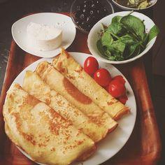 (recipe in englishtürkçedeutsch) Chickpea Flour Crepes (1cup chickpea flour 1cup {almond} milk  3eggs pinch of salt.oil for the pan /i used ghee ) Nohutlu Krep (1bardak nohut unu 1bardak süt1tutam tuz 3yumurta.pisirmek icin siviyag/ben ghee kullandim.tarifini onumuzdeki zamanlarda paylasacagim) Kichererbsen Crepes (1gl kichererbsenmehl1gl veggie milch3eierprise Salz.öl zum braten.ich habe selbstgemachte gee benutzt) . . . . . .  #eatclean #lowcarb  #healthyfood #diyettarifler #paleo…