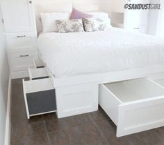 Back Bedroom - Kristy Platform Storage Bed – free plan - What if the under bed storage was a kid's size pullout bed for grandkids sleeping over, and what if you made a bedside crib instead of 2 drawers for infants? That way the kids and grandkids coul Platform Bed With Storage, Diy Platform Bed, Queen Platform Bed, Under Bed Storage, Diy Storage, Extra Storage, Queen Beds With Storage, Best Storage Beds, Storage Cubes