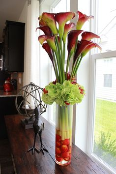Home Decor - red and green flowers