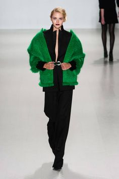 Zang Toi Fall 2014 Ready-to-Wear Runway - Zang Toi Ready-to-Wear Collection