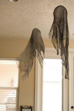 Tutorial: Making DIY Ghosts and Dementors for Harry Potter Halloween Party