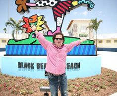 Romero Brittos artwork adorns the fountains, slides, inner tubes, umbrellas and so much more of Miamis Grapeland. Grapeland Park is located at 1550 NW 37th Ave, right off of the 836. After years of planning by city and community officials, the park is quickly being referred to, as Brittos touch and signature, literally, are everywhere. From numerous monuments, statues, fountains, plaques and flags, the bright, festive characters scream fun in the sun.