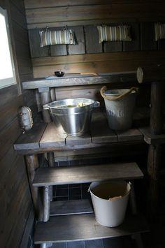 Valkoinen puutalokoti - Ulkosauna - Sauna