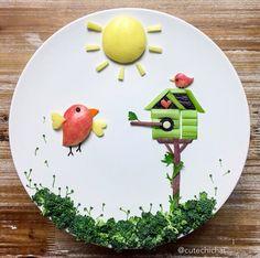Assiettes créatives élaborées par une talentueuse maman américaine pour rendre moins monotones les repas de ses enfants... un régal pour les yeux!