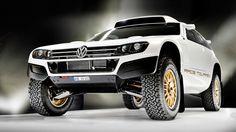 VW Race Touareg 3 Qatar  Der 310 PS starke Volkswagen dürfte einer der weltweit talentiertesten Geländewagen mit Straßenzulassung sein; denn dieses Auto ist ein waschechter ...
