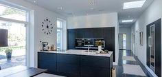 Billeder af Funkis huse - Se de mange muligheder i Funkis husene Küchen Design, House Design, Kitchen Dining, Kitchen Cabinets, Interior Architecture, Interior Design, Updated Kitchen, Cool Rooms, Kitchen Interior