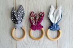 Rabbit rattle for small hands . Sewing For Kids, Baby Sewing, Diy For Kids, Diy And Crafts, Arts And Crafts, Baby Couture, Baby Toys, Baby Gifts, Sewing Projects