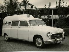 Seat 1400 Ambulancia « Aragón y Medicina - La Coctelera. 1950.