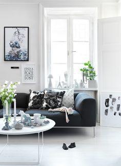 White floors + grey sofa <3